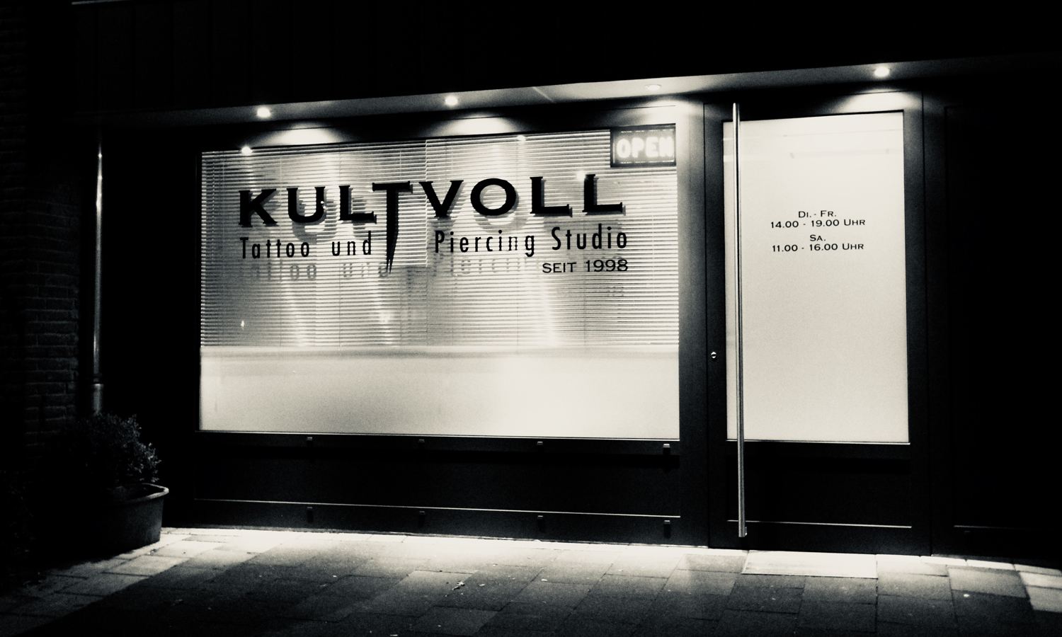 Kutvoll + Tattoo und Piercing Studio in Gütersloh
